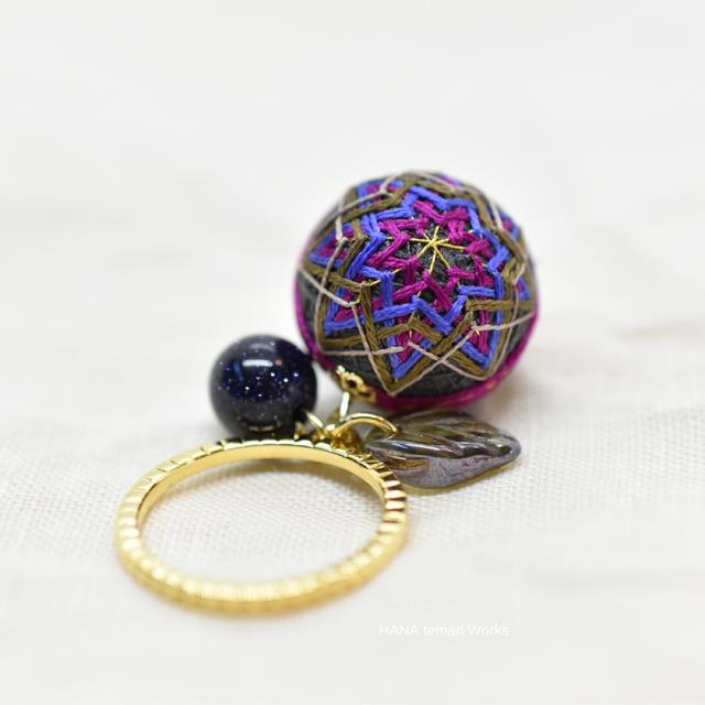 襲色目「葡萄」をイメージした手まりの指輪