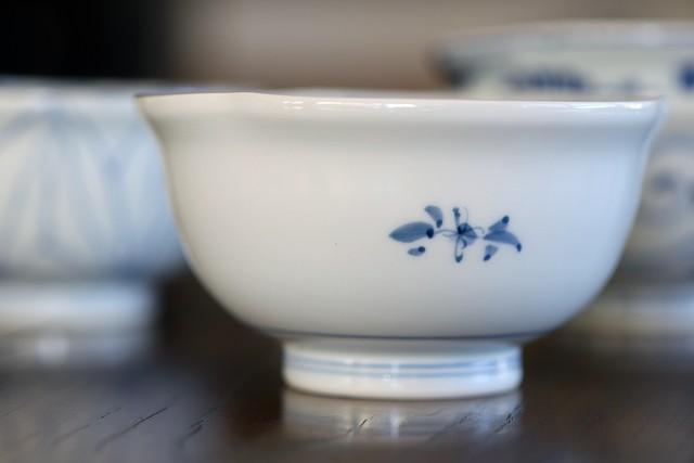 小花草紋 三方なぶり小鉢 作・井手國博 与志郎窯(有田焼)