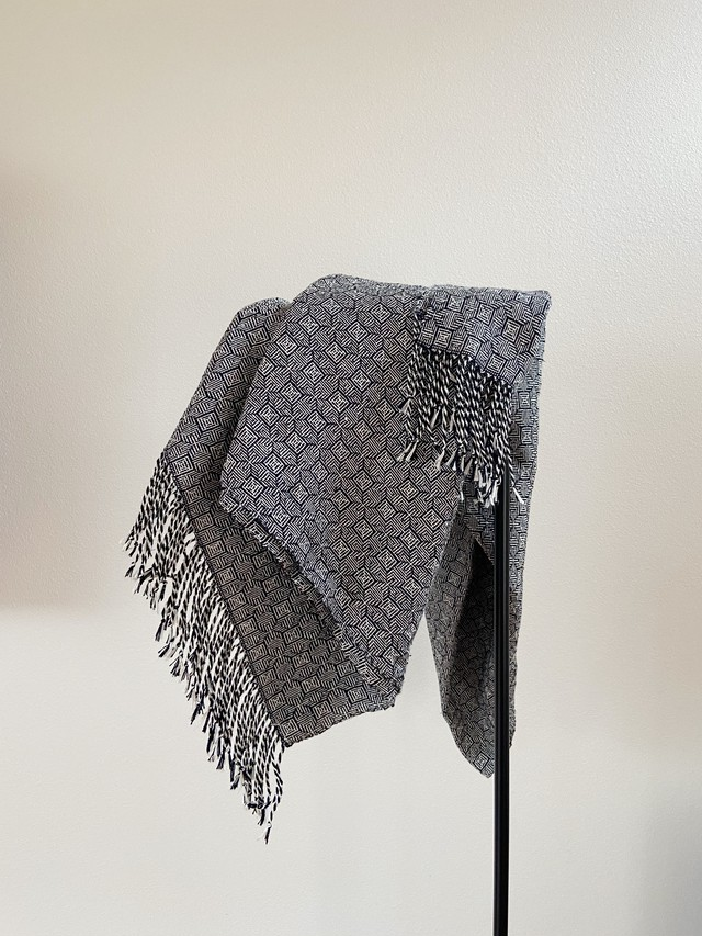 手織りシルクのショール(Black Clover)