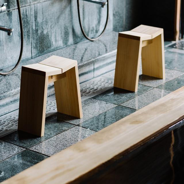 木曽の檜でつくった風呂椅子 Kiso Lifestyle Labo