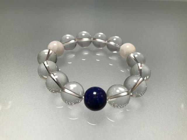 水晶&ラピスラズリ&マザーオブパール 12mm 、開運の水晶に幸運の象徴のラピスラズリ、そして子宝のマザーオブパールを組み合わせました。