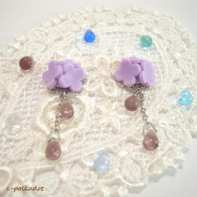 【選べるカラー】お砂糖菓子みたいな紫陽花(紫)のピアス/イヤリング