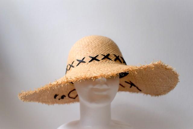 ラフィアロゴ刺繍ハット