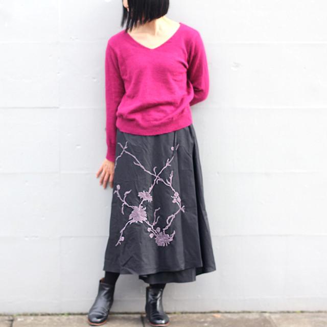 手刺繍のコットンラップスカート【すみくろブラック】