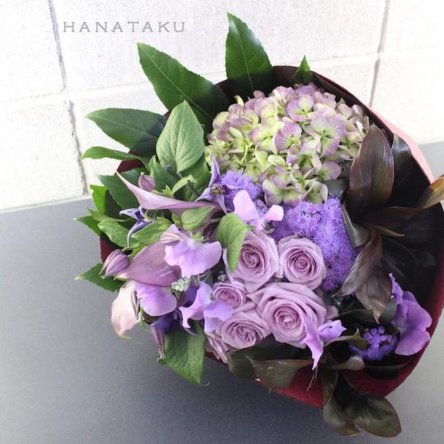 <お祝い花束> 10,000円の花束を贈る