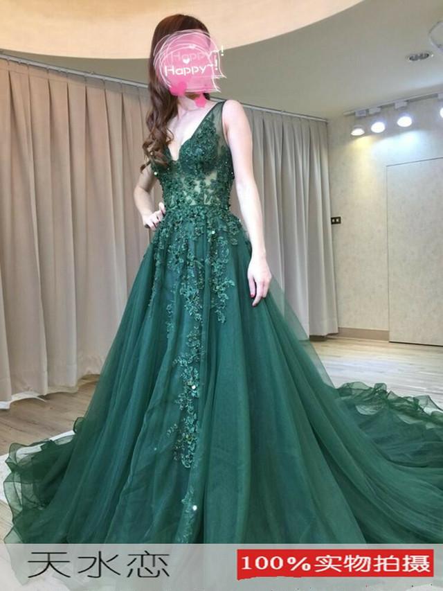 カラードレス 深めな緑 Vネックドレス トレーン タンクトップ 繊細