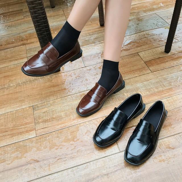 【shoes】レトロシンプル通勤合わせやすいPU学園風無地フラットシューズ
