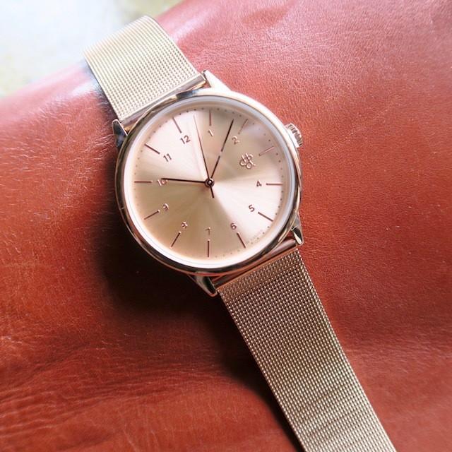 CHPO RAWIYA ROSE rose metal dial. metal mesh wristband.