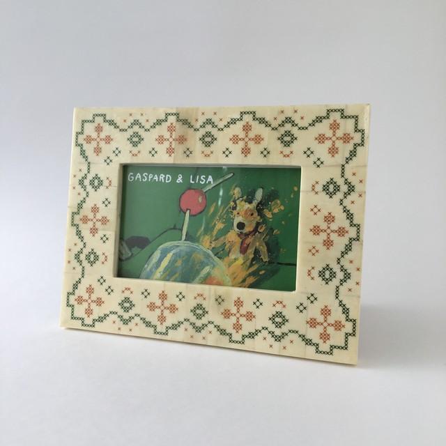 刺繍模様のフォトフレーム クロスステッチ柄(21.5cm)|Embroidery Design Photo Frame Cross Stitch