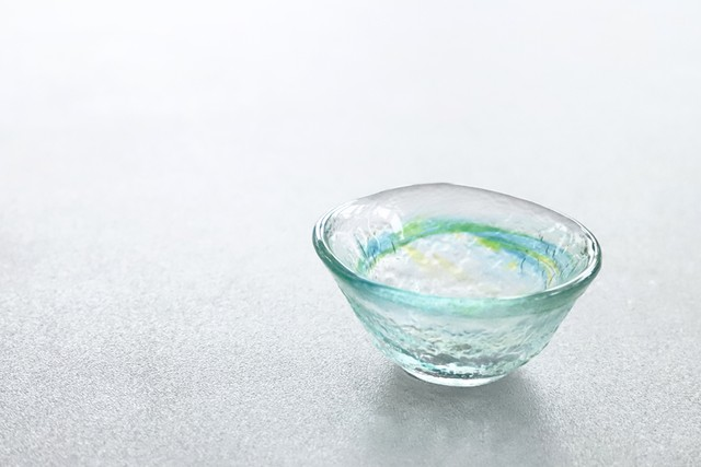 【SP3S30-09】『和ガラス』『手作りのガラスぐい呑み』『緑』 日本酒 ガラス盃 手作り 風情ある ハンドメイド