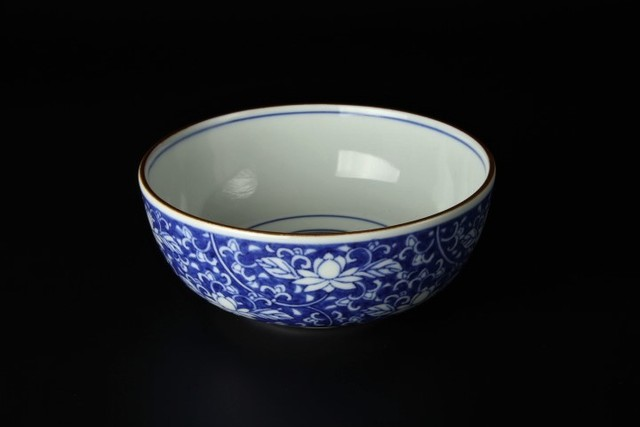 濃唐草鉢(中) 九谷焼