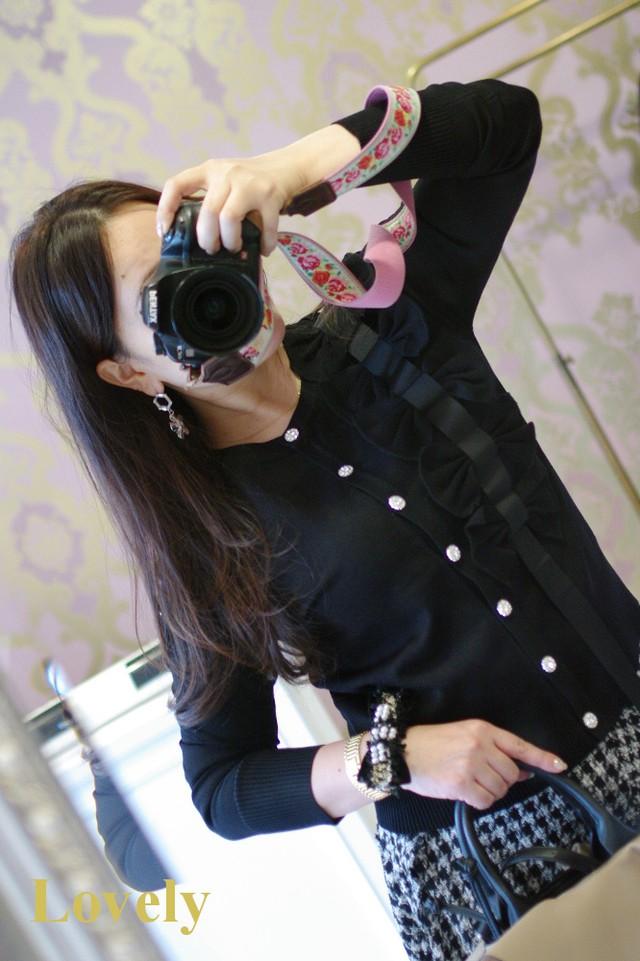 【仙台三越催事購入可能商品】サイドおリボン ビジューボタン カーディガン・ブラック