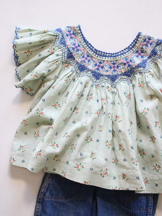 BONJOUR DIARY  Handsmocks Butterfly blouse Water mint 8-12y