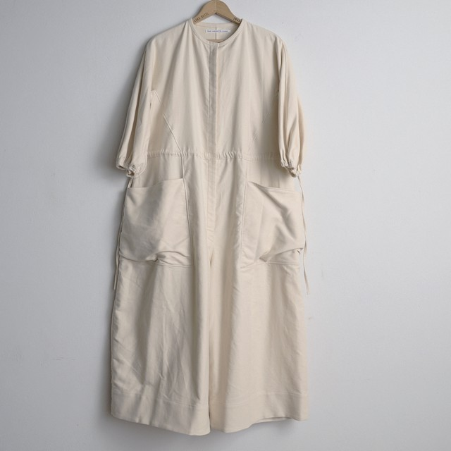 TENNE HANDCRAFTED MODERN テンハンドクラフテッドモダン  VOLUME SLEEVE ALL-IN-ONE BEIGE