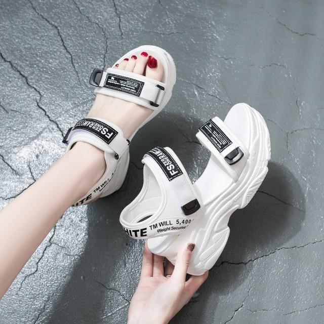 【shoes】カジュアル丸トゥマジックテープアルファベット厚底サンダル