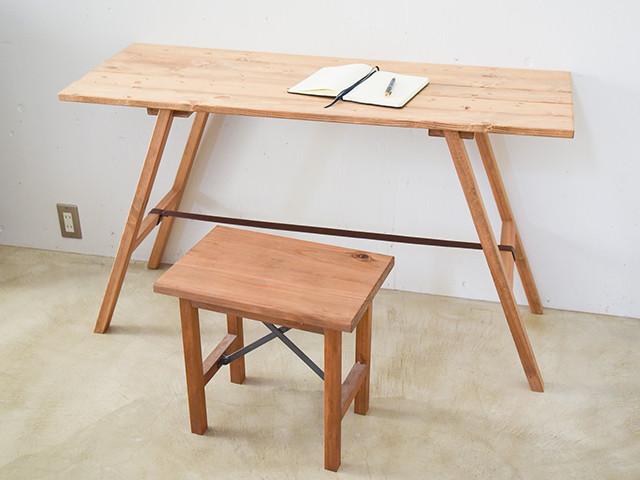 『デコボコ板の天板』の組み立て式ワークテーブル
