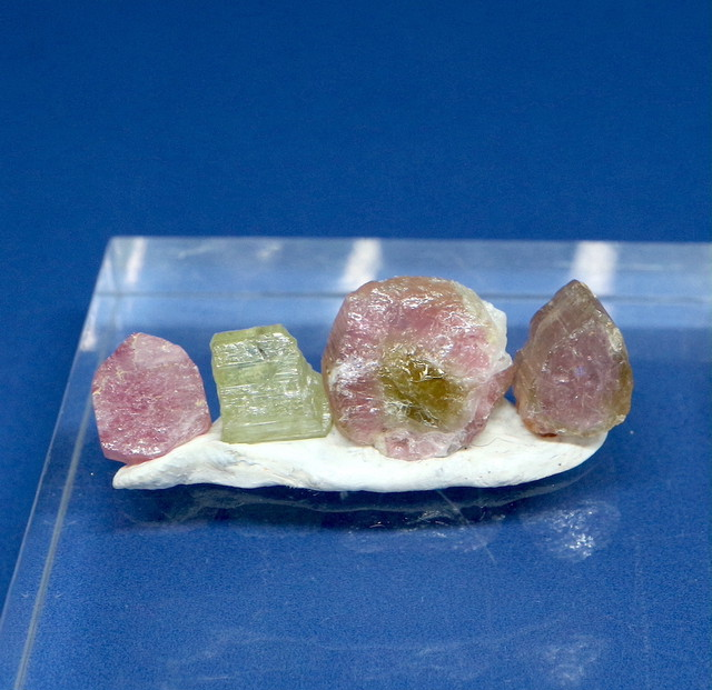 トルマリン セット カリフォルニア産 T168 1,8gg 鉱物 天然石 原石 パワーストーン