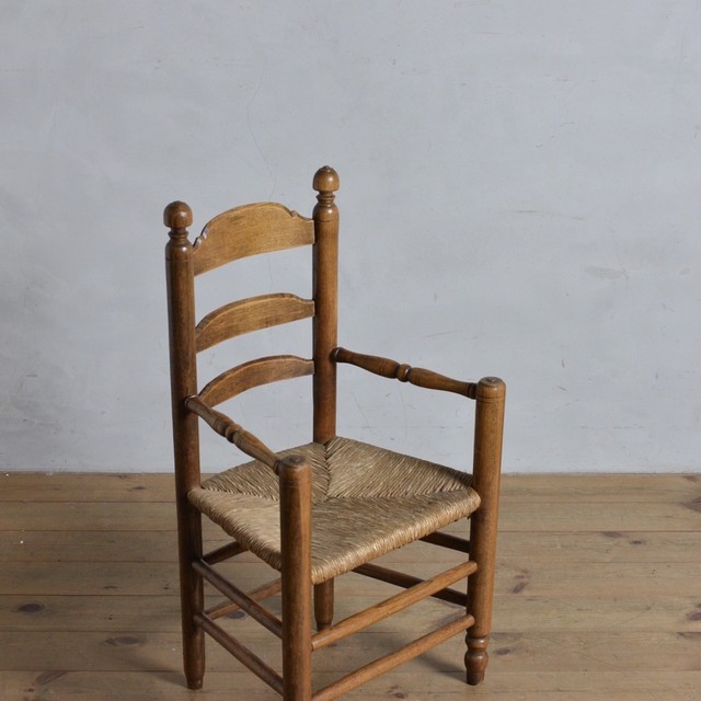 Ladder Back Arm Kisd Chair / ラダーバック アーム キッズ チェア 〈子供椅子・ラタンチェア・店舗什器〉112203