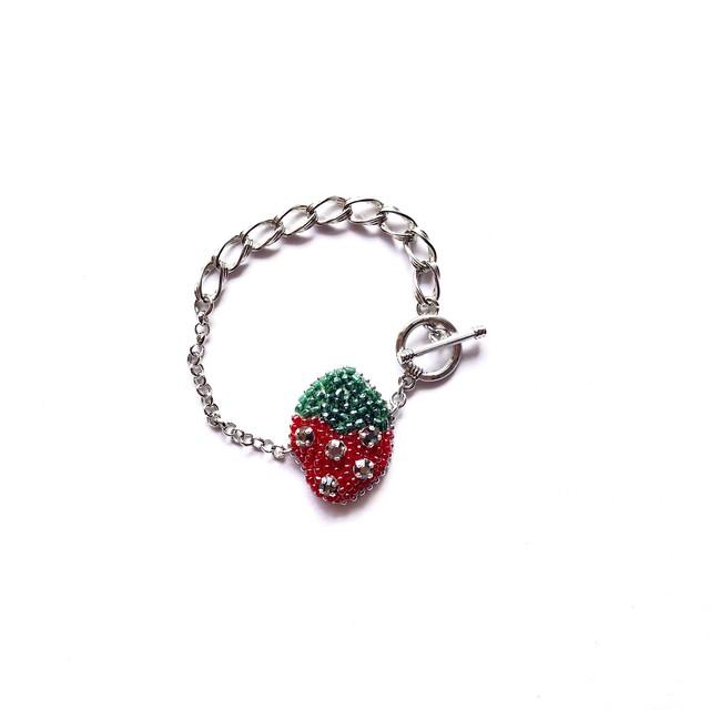 ◇VERT strawberry◇チェーンブレスレット◇ silver