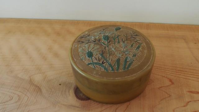 19世紀後期 セルロイド(?)製 パウダー用容器