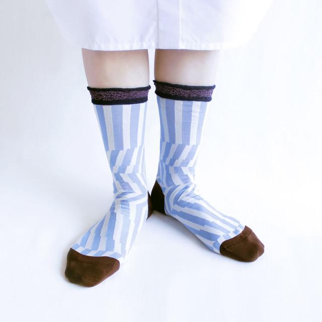 【COQ textile】Crumpled stripe・ソックス(ブルー)