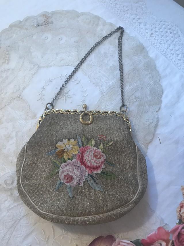 薔薇刺繍がかわいい 小さなバッグ