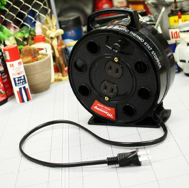 MERCURY リーラー 裏方役の延長コードもドレスアップ!工具箱と一緒に備えたい♪  マーキュリー 雑貨 延長コード ドラム コンセント コードリール 電源タップ リーラー おしゃれ かっこいい アウトドア アメリカン アメリカン雑貨 リーラー 5m_ MC-MERE5M-MCR