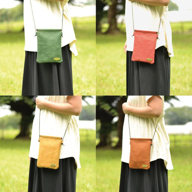『いつも一緒に♪』手縫いの牛ヌメ革ポシェット(全4色・姫路オイルレザー)