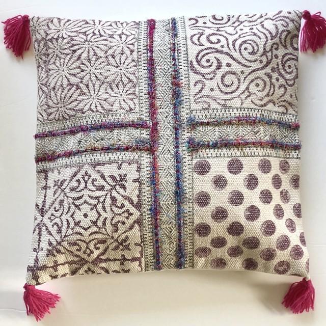 インド製 美しい刺繍のクッションカバー