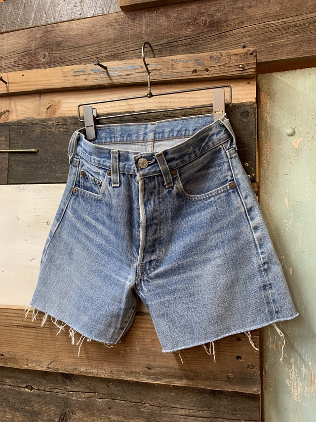 80's Levi's 501 red line cut off shorts
