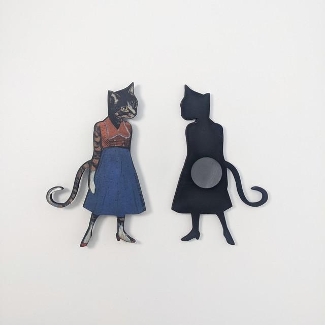 【PergamoPaperGoods】 Retro cat girl magnet