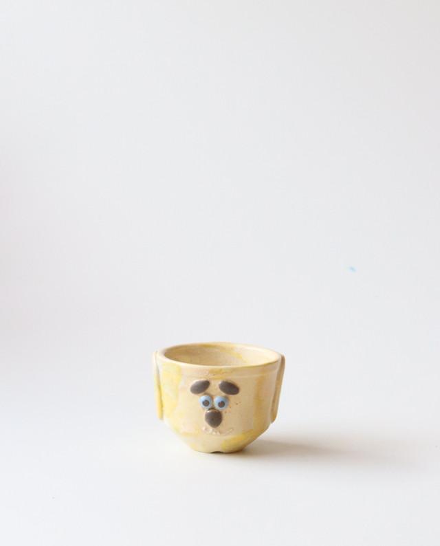 小さな植木鉢(猫みたいな犬)