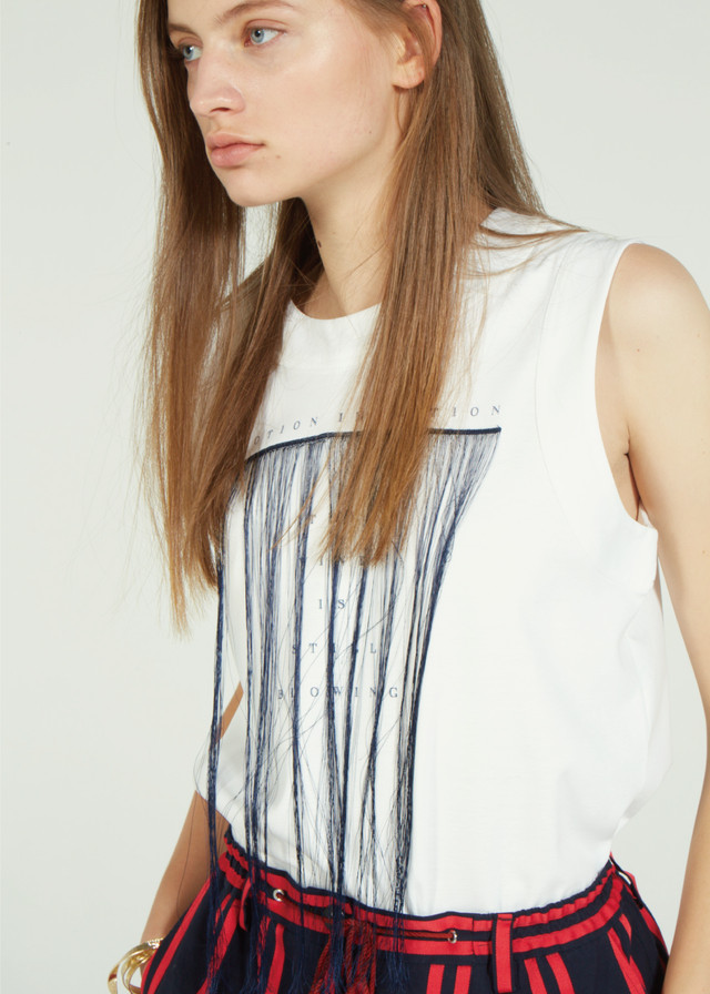 FRINGE EMBROIDERY NO SLEEVE T