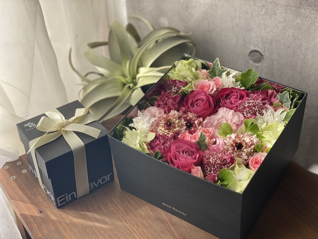 【Mother's Day Gift】Fresh Flower Box (L) + 紅茶のセット