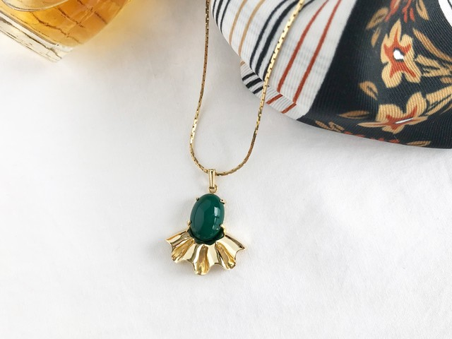 Allure pendant ー forest green ー