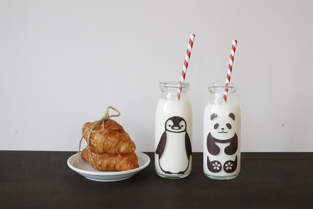 『ペンペン&パンダ君 冷感ミルクボトル牛乳スマイルグラス』子供 笑顔 牛乳 着せ替え ボトル
