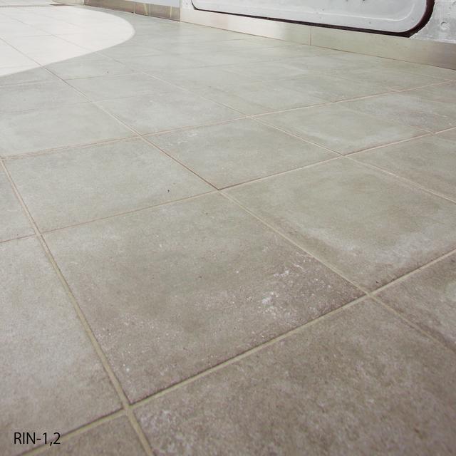 リナータ 300角/SWANTILE コンクリート調 洗練された雰囲気