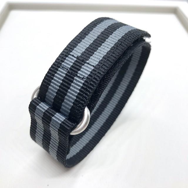 ベルクロダイバー ナイロンストラップ James Bond ブラック/グレー 20/22mm 腕時計ベルト
