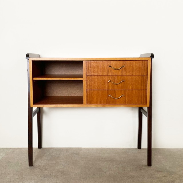 Chest of 3 drs with open shelf / CS050