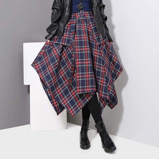 ベルト付きチェック柄スカート D210102