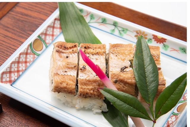 瀬戸内海産アナゴの箱寿司