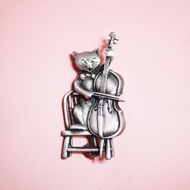 弦楽器 猫 ヴィンテージブローチ JJ