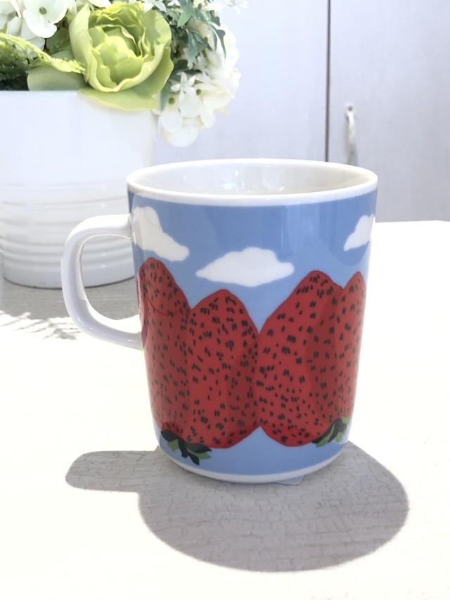 marimekko (マリメッコ)/ マグカップ/Mansikkavuoret (マンシッカヴオレット/イチゴの山)/70783