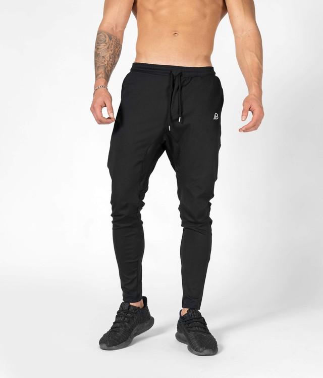 Silhouette Joggers - Tech Fleece- black (1-26)