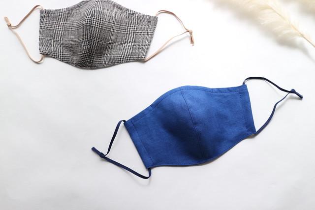 【レギュラーサイズ】夏に涼しく心地よい リネンのマスク(ロイヤルブルー × ヘリンボンネイビー)ノーズワイヤー入り
