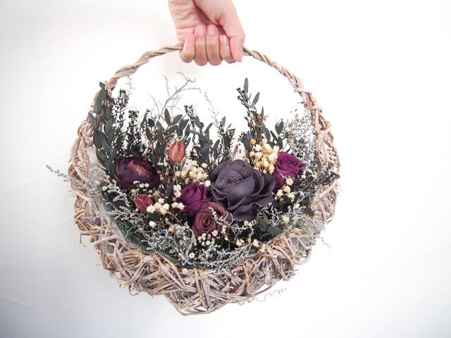 新作 ▶︎ 大人色 アンティーク パープル ピンク ローズ の 花摘み バスケット アレンジ リース ブーケ
