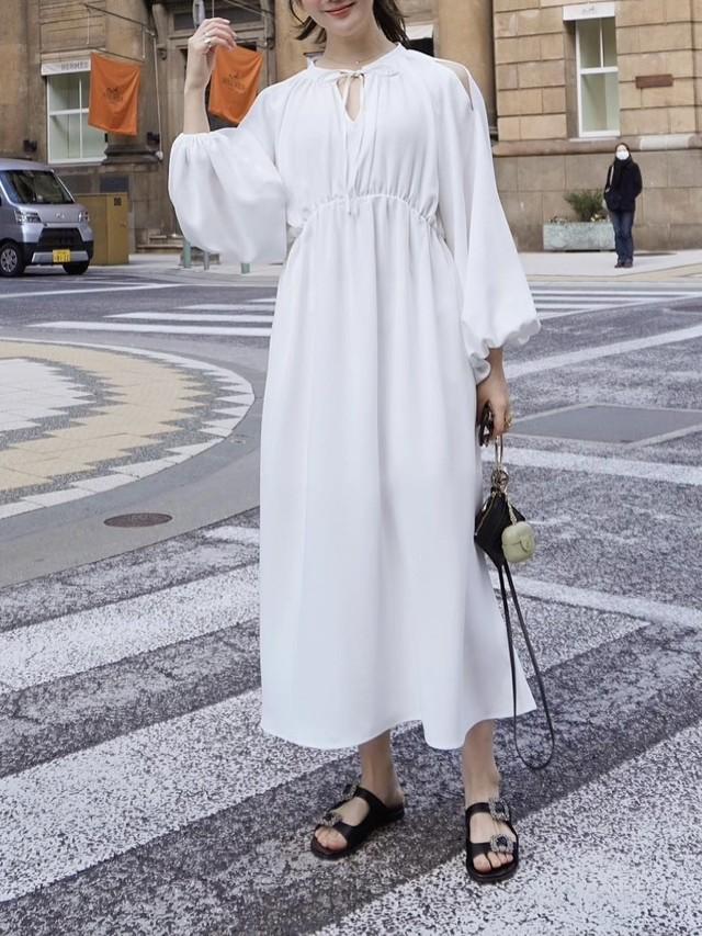 【予約】volumy drape dress / white (4月上旬より順次発送予定)