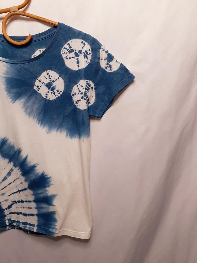 手染めのレディースTシャツ(藍染)
