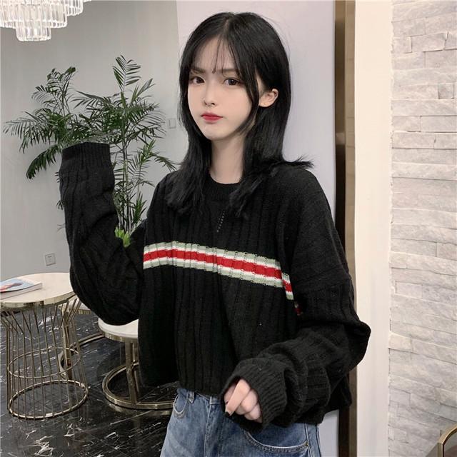 ショートニット ストライプ ライン 韓国ファッション レディース セーター ニット ショート丈 ラウンドネック ストライプ / Striped short sweater with long sleeves (DTC-602709963363)