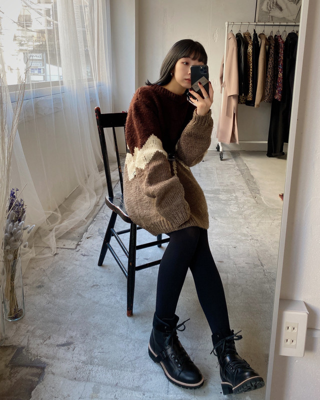 vintage over silhouette knit